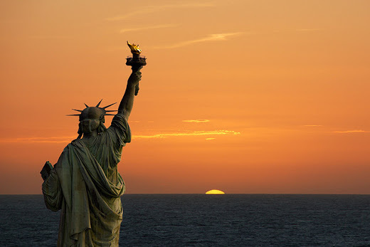 ocaso sol estatua libertad simbolismo.jpg
